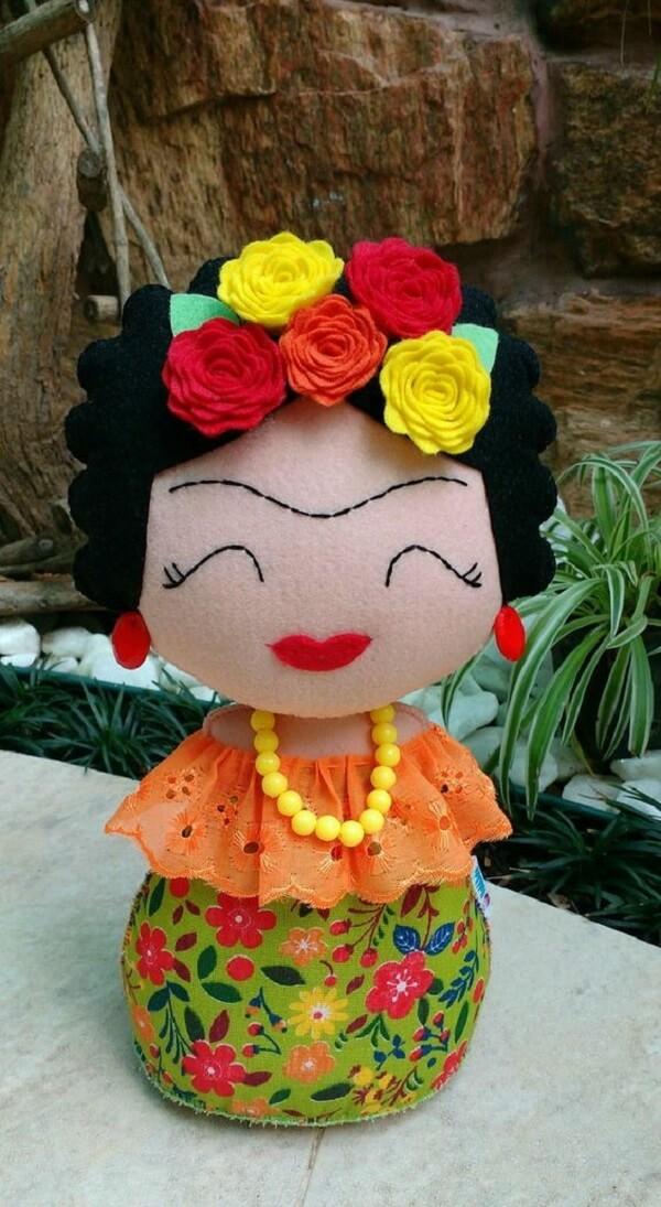 Peso de porta de tecido com a imagem da Frida. Fonte: Elo7
