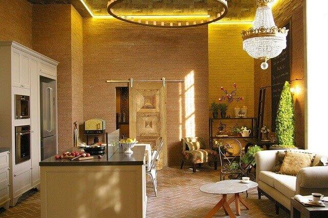 Projetos de casas com parede de tijolinho Projeto de Adriana Giacometti