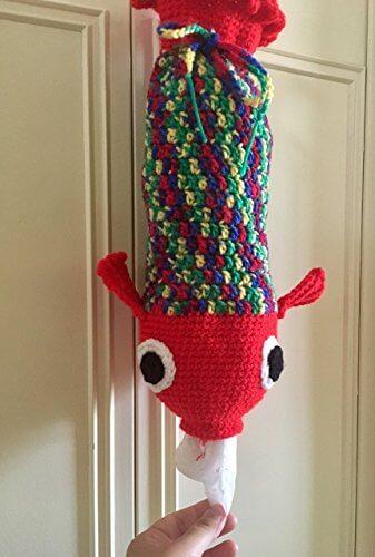 Puxa saco em crochê de peixe vermelho