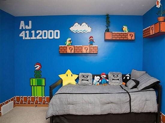 Quarto de gamer com tema de Mario Bros