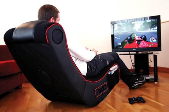 Quarto gamer com cadeira gamer