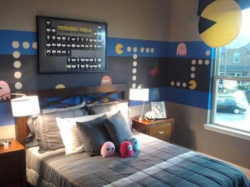 Quarto gamer com decoração inspirada no Pacman