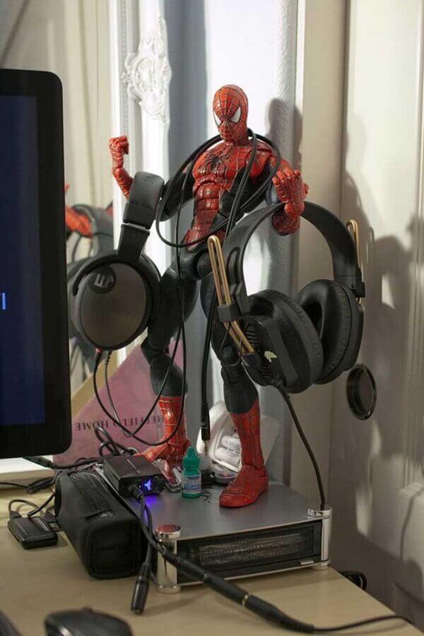 boneco do homem aranha para decoração de quarto gamer Foto Ideias Decor