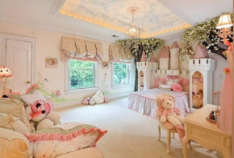 decoração com castelo quarto de princesa