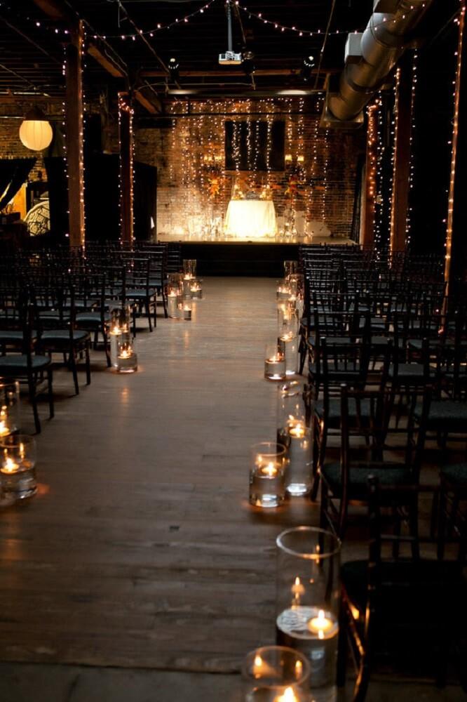 Decoração de casamento simples e barato com velas.