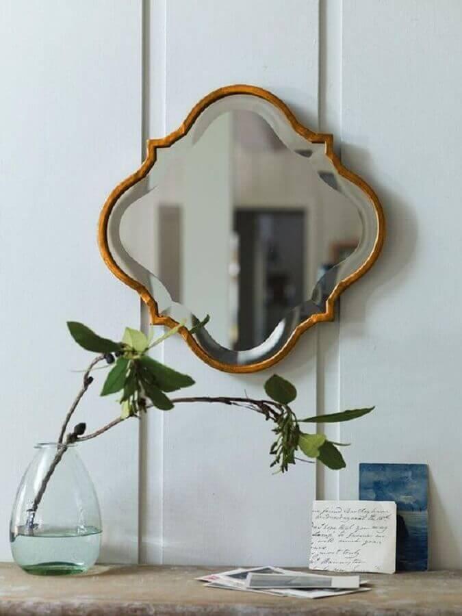 espelho decorativo pequeno com moldura de madeira Foto Pinterest