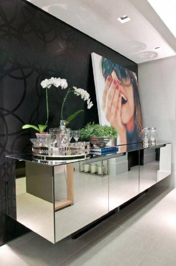 Móvel espelhado