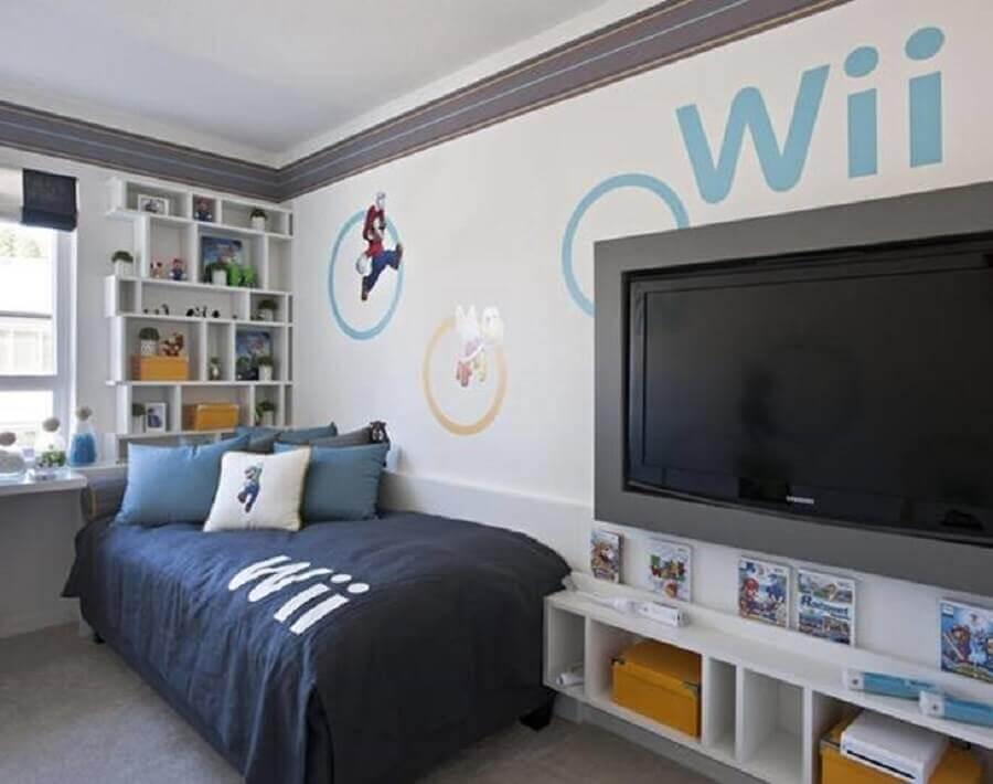nichos brancos e adesivo do super Mário para decoração de quarto gamer simples Foto Planx Design