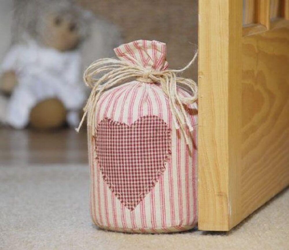 peso de porta feito com pano