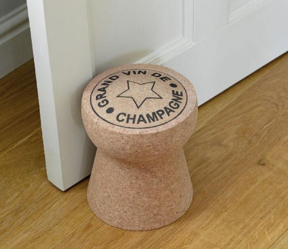 peso de porta formato de rolha