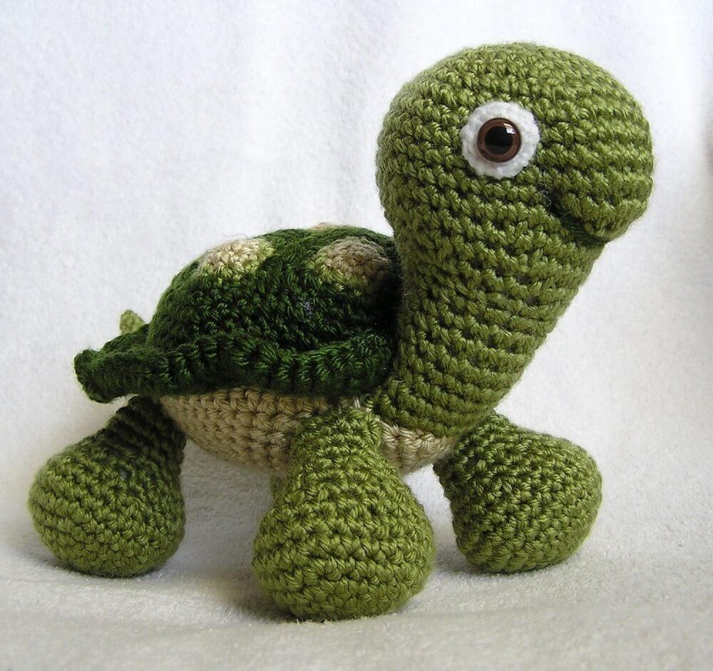 peso para porta de tartaruga feito de crochê