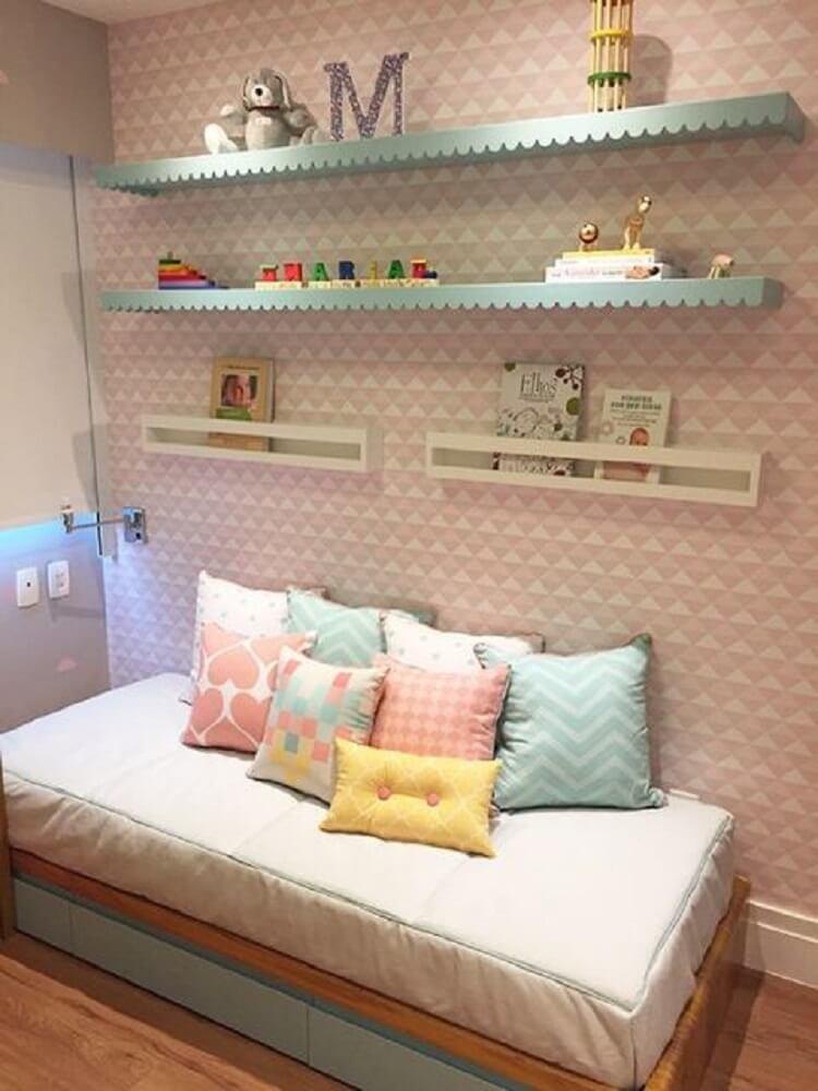 prateleiras para quarto de menina