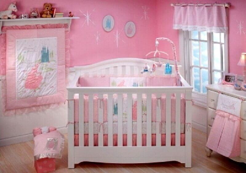 quarto rosa para bebê