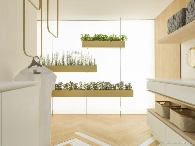 Área de serviço com jardim vertical Projeto de Marilia Pellegrini