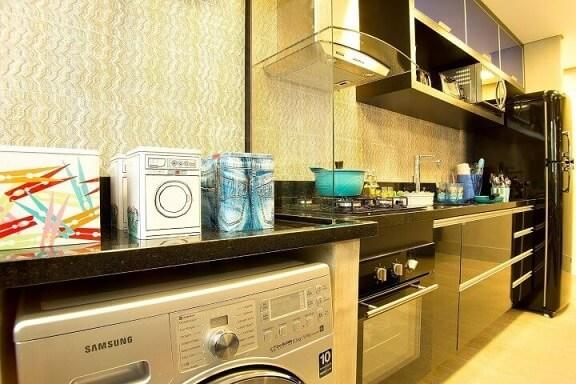 Área de serviço integrada à cozinha Projeto de Lucia Stuhlberger