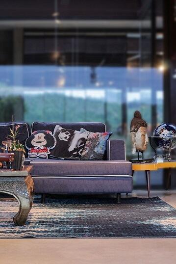 Almofadas decorativas com estampas diversas Projeto de Flavia Medina