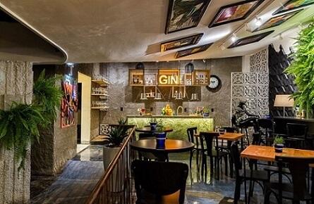 Bar com cobogó e balcão iluminado Projeto de Morar Mais Por Menos Goiânia