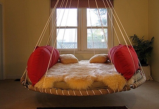 Cama suspensa redonda por cordas