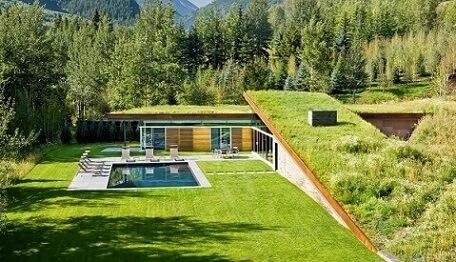 Casa contemporânea com telhado verde