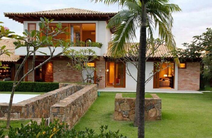 Casa de fazenda com arquitetura moderna