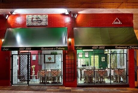Combinação de cores em restaurante italiano Projeto de Jordana Gabrielli
