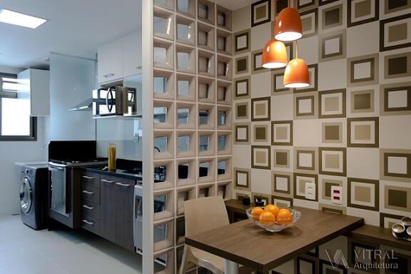 Cozinha integrada por cobogó à mini copa Projeto de Vitral Arquitetura