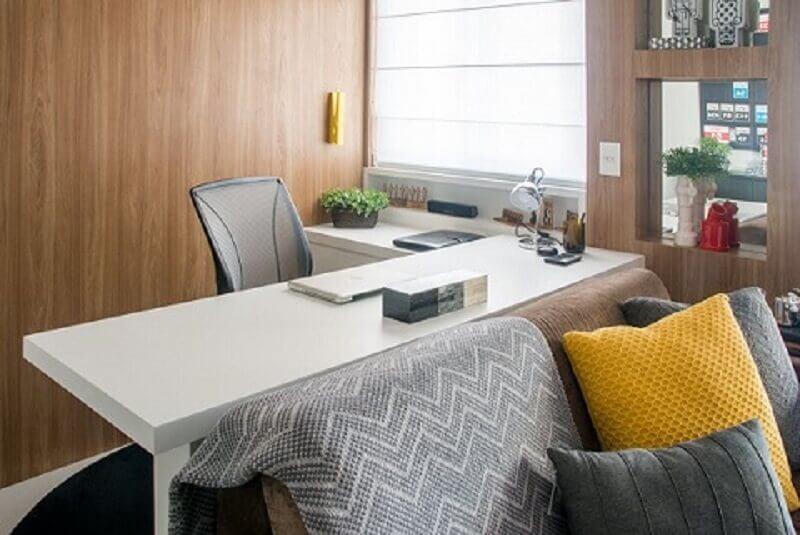 Decoração de apartamento pequeno com home office integrado