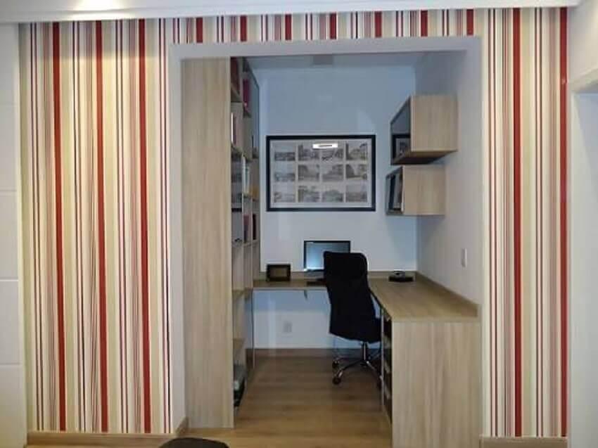 Decoração de apartamento pequeno com home office planejado