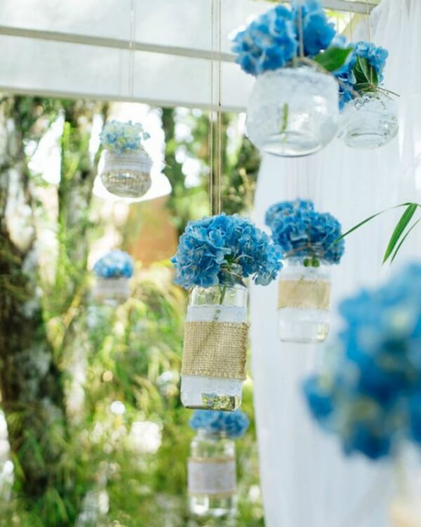 Simple wedding decoration with hydrangea flowers