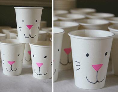 Decoração de páscoa com copos de coelho