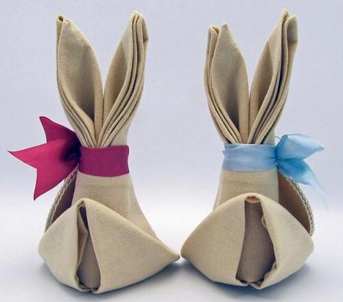 Decoração de páscoa com guaranapo em formato de coelho