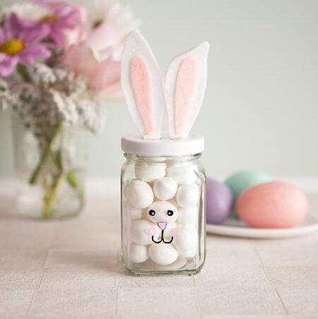 Decoração de páscoa com lembrancinha de coelho