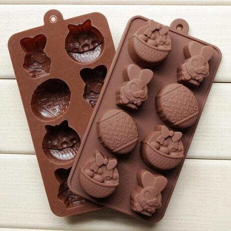 Decoração de páscoa com molde de chocolate