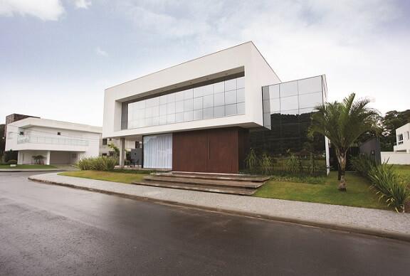 Fachadas de sobrados espelhada Projeto de Zaav Arquitetura
