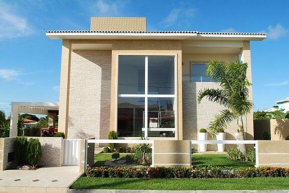 Fachadas de sobrados moderna com jardim Projeto de Bernal Projetos