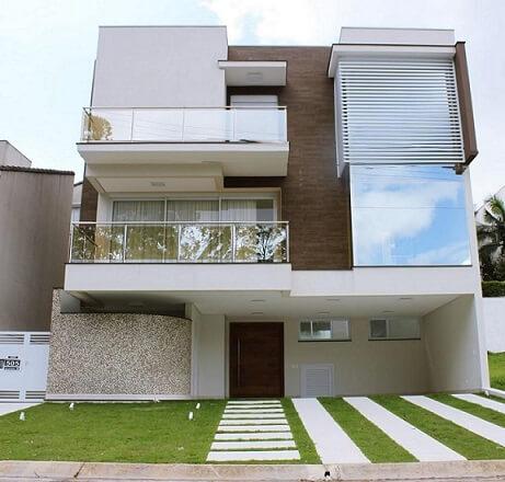 Fachadas de sobrados moderno Projeto de Renata Bertoni e Junior Prestesar