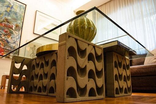 Mesa de centro com cobogó como base Projeto de Adriana Fornazari