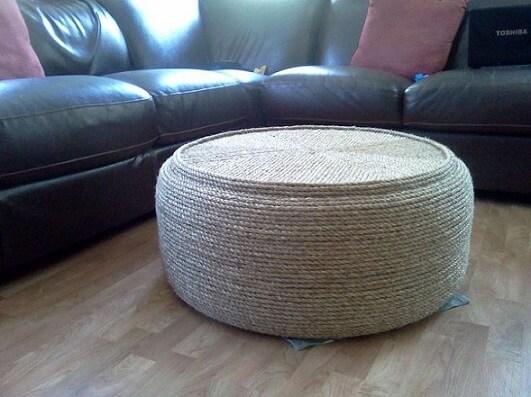 Mesa de centro de artesanato com pneus