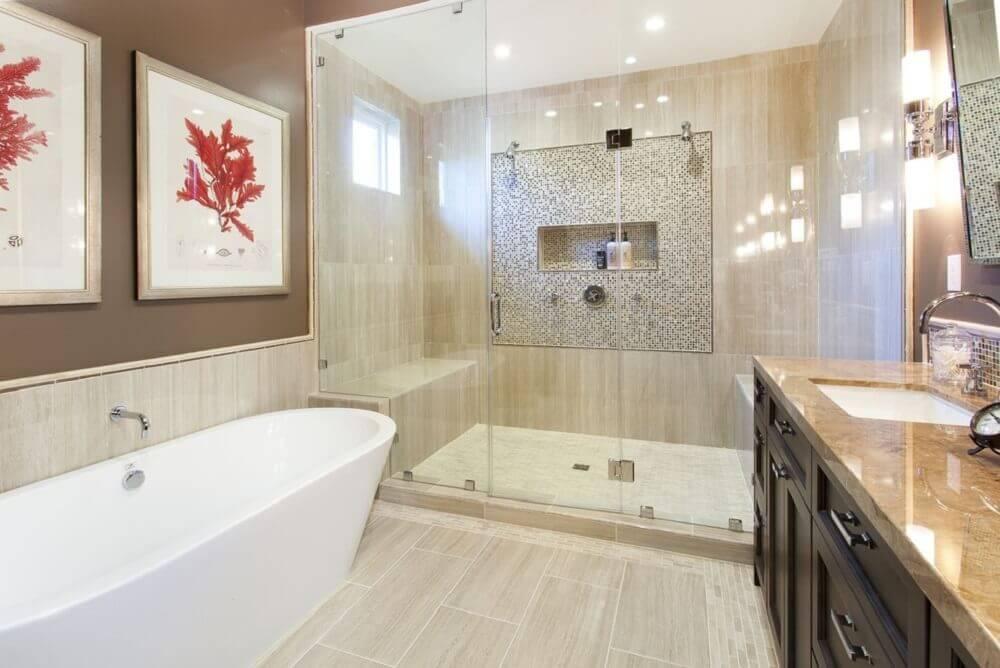 Modelos de banheiro com banheira e box