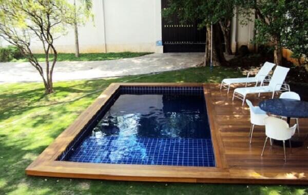 Modelos de piscinas com deck