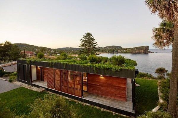 Telhado verde com jardim pequeno