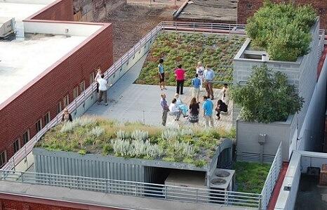 Terraço com telhado verde