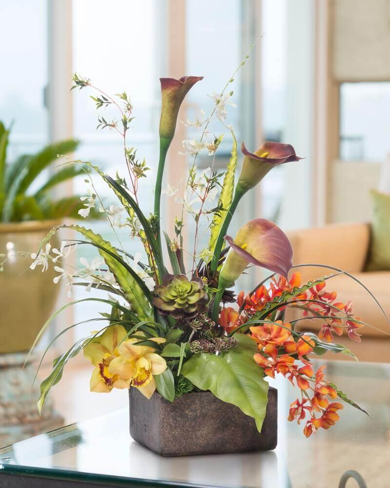 arranjos de flores artificiais rústico e delicado.