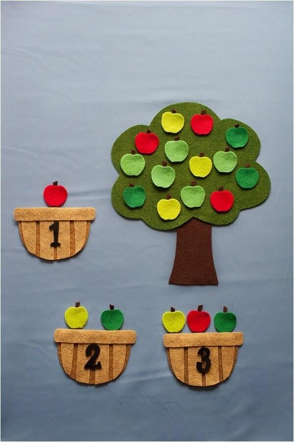 brinquedo de artesanato em feltro