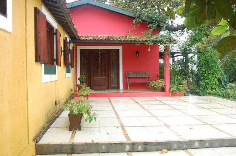 casa de fazenda simples e colorida