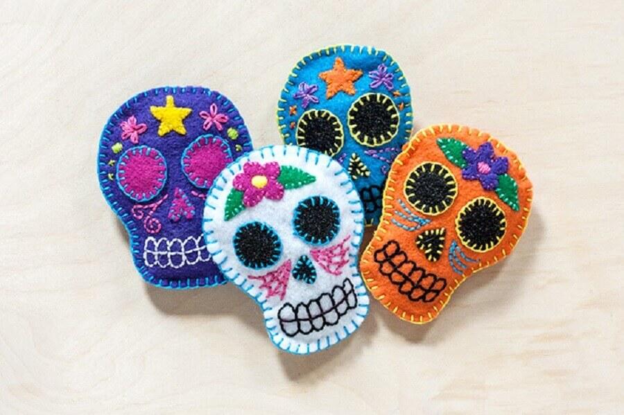caveiras mexicanas de artesanato em feltro