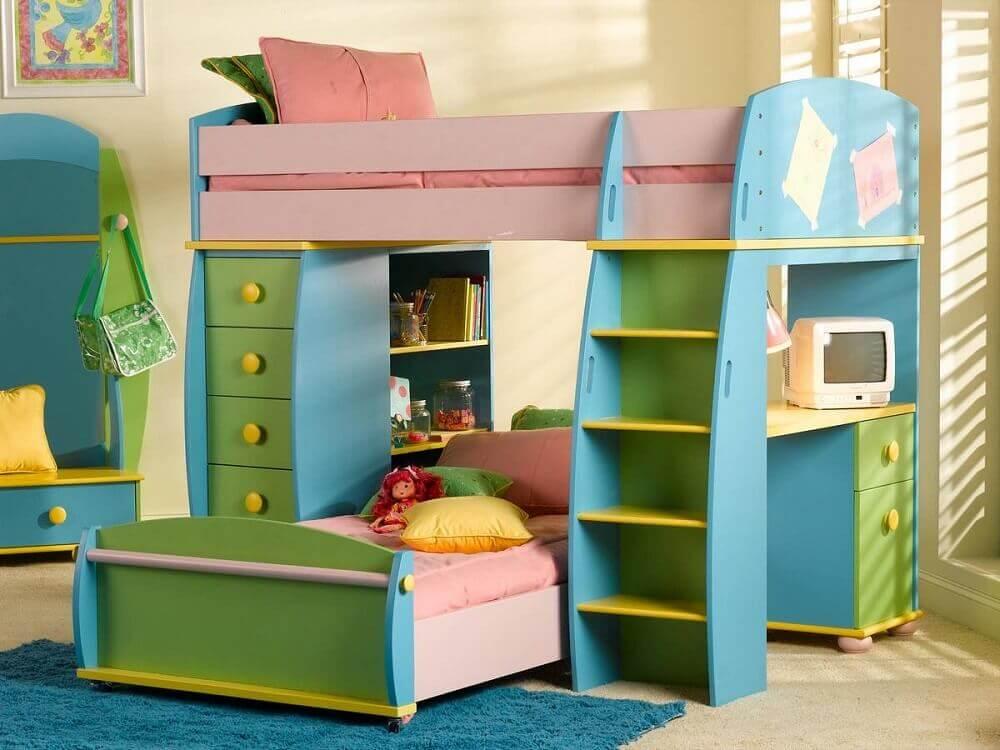 colorido beliche infantil com escrivaninha