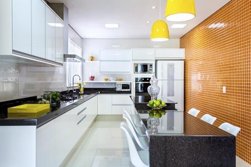 cozinha decorada com pastilha para cozinha