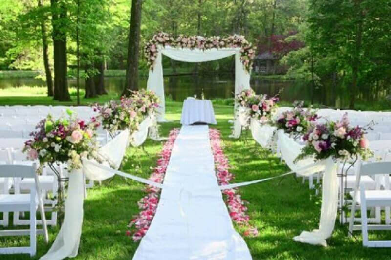 In outdoor wedding decoration invest in strong and vibrant colors