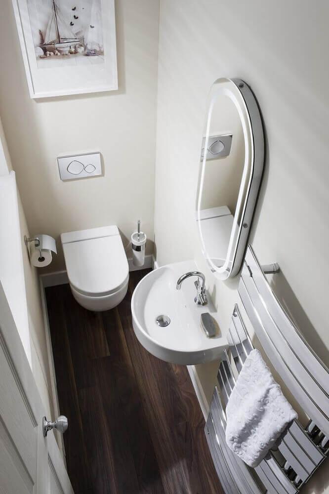 decoração de lavabo com quadro